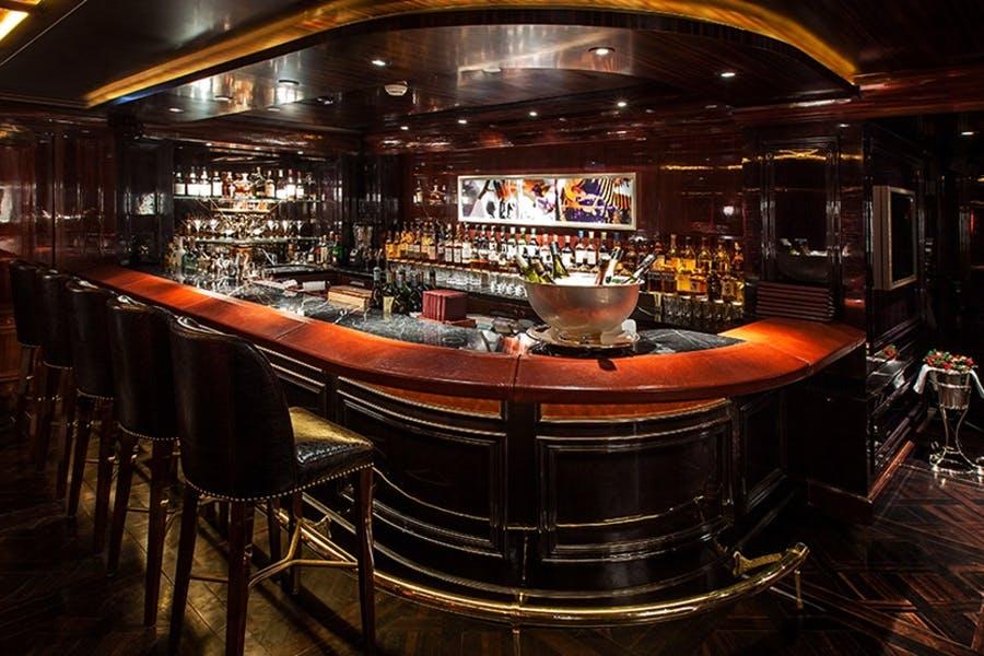 The Bar at the Peninsula
